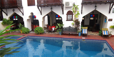 Dhow Palace Hotel Pool