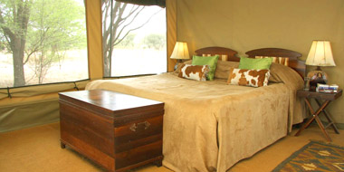 Manyara Ranch Camp, Bett
