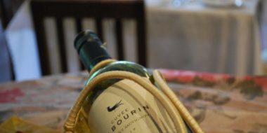 Udzungwa Falls Lodge, Weinflasche