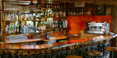 Arumeru River Lodge, Bar