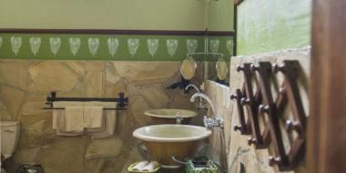 Hatari Lodge, Badezimmer