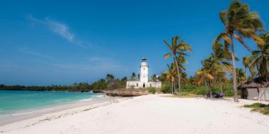 Fanjove Island, Strand