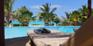 The Zanzibari Hotel, Liege am Pool