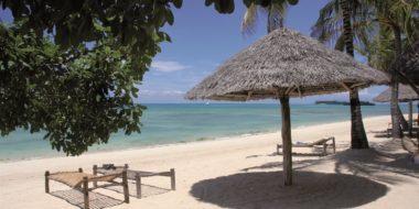 Chapwani Private Island, Strand mit Liegen