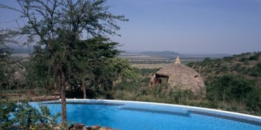 Serena Safari Lodge, Pool mit Ausblick