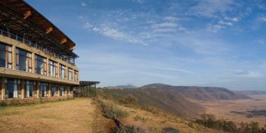 Ngorongoro Wildlife Lodge, Hauptgebäude