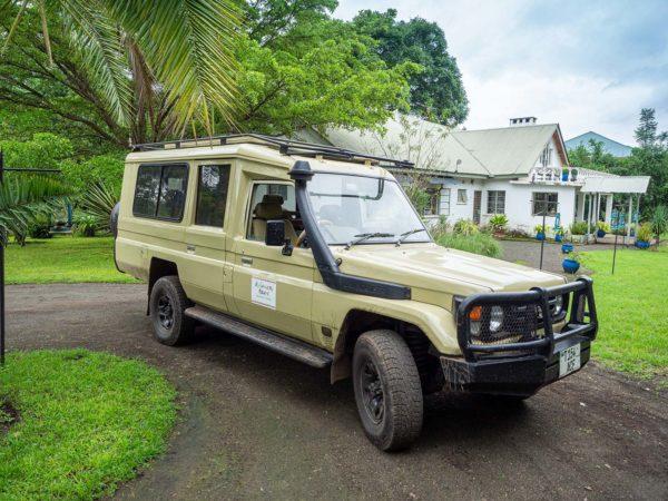 Abenteuer Tansania - Toyota Land Cruiser mit Dachluke und 360-Grad-Sicht zum Fotografieren